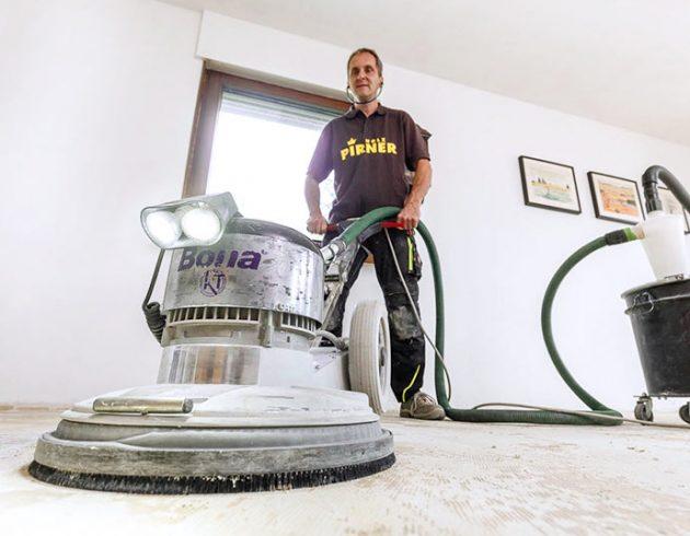 Service: Renovierung mit der Schleifmaschine | Blog | Holz Pirner Pommelsbrunn